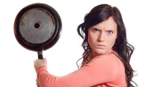 angry-woman-frying-pan